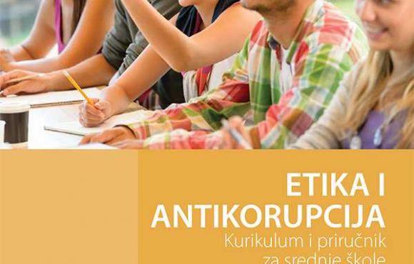Želite znati više o korupciji i etici? Preuzmite naš priručnik! Kurikulum i priručnik za srednje škole (BOS)
